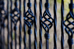 Problems That Come With a DIY Fence Installation