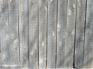 Reasons That Wood Fencing Cracks, and How to Prevent Cracking