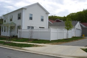 Cleaning a Low Maintenance Vinyl Fence